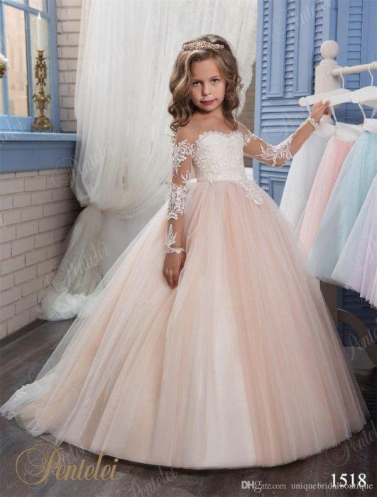 6797a2cf5b1bb فستان أفراح للبنات الصغار جميل جداً ورائع