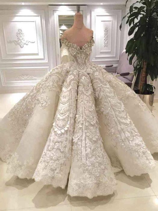 من أجمل الفساتين التركية للزفاف
