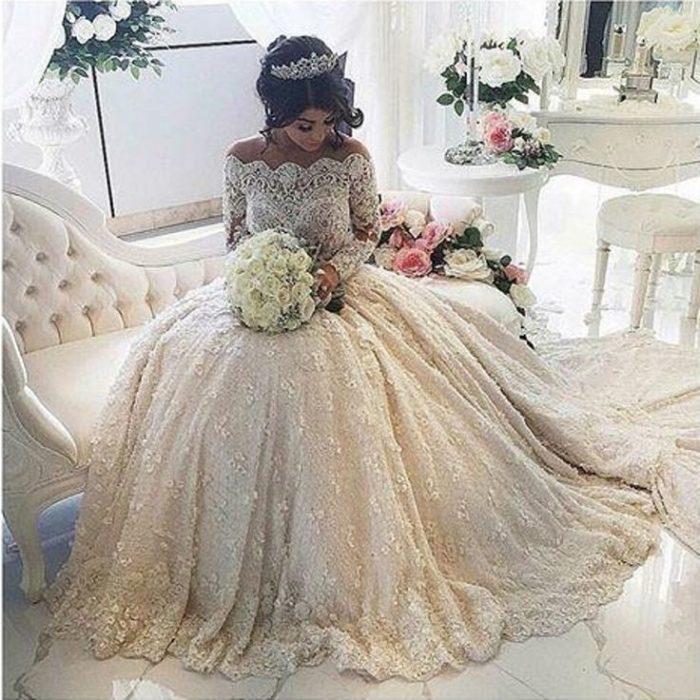 من أحلى فساتين الزفاف التركية