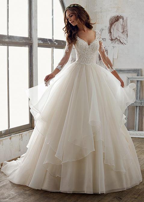 فستان زفاف جميل بستايل ناعم