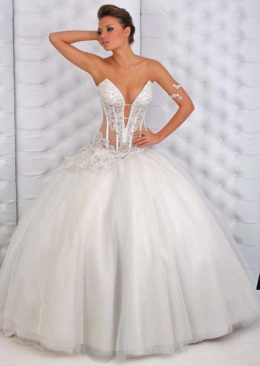فستان زفاف حلو جداً ورائع بتصميم يناسب مختلف الاذواق