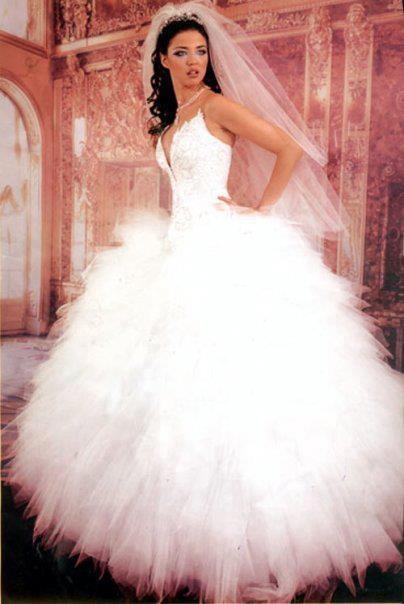 فستان زفاف بتصميم جديد 2018