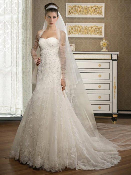 فستان زفاف جميل ورائع