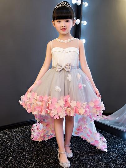 aecbf3dcdc156 فستان بناتي قصير منفوش مع ديل من التول مزين بالورد وحزام فيونكة ستان روعة  مناسب جداً
