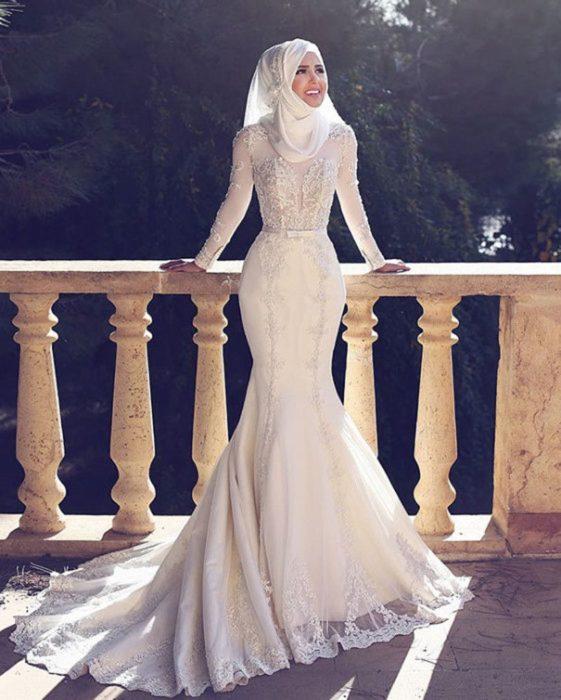 يناسب هذا الفستان الجميلات صاحبات الوزن المتناسق ويتميز هذا لفستان بتصميمه الناعم مع لفة حجاب روعة