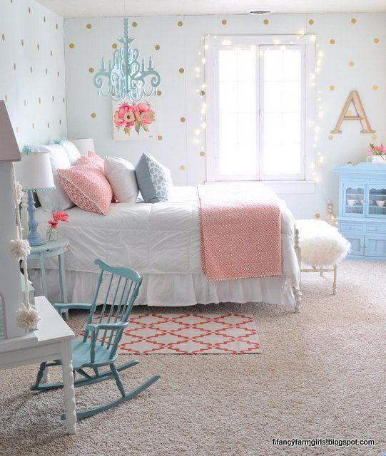 جمال وبساطة هذه الغرفة فى ديكوراتها التى تتسم بالرقة والجمال فى تصميمها