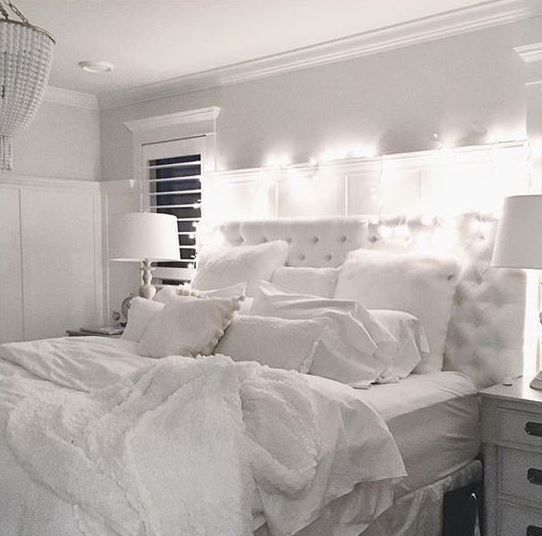 Bedroom Furniture Makeover Ideas Bedroom Athletics Taylor Bedroom Bedside Wall Lights Bedroom False Ceiling: ديكورات غرف نوم باللون الموف والابيض والتركواز