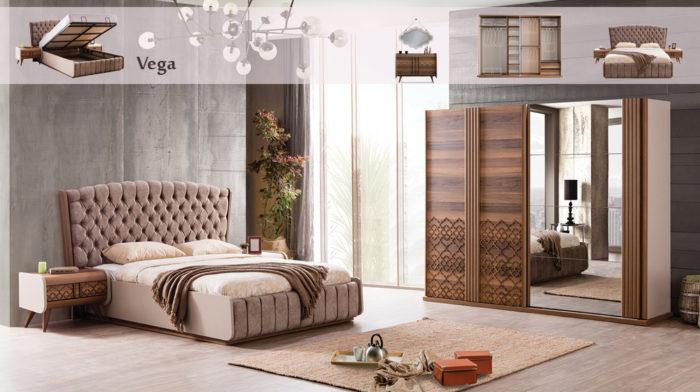 غرفة نوم بأفكار أنيقة وفخمة جداً وتحتوى على سرير مبطن مع كمودينو بتصميم عصري جداً