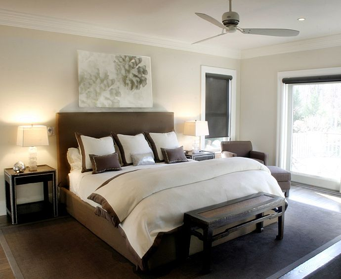 غرفة نوم باللون البني بسيطة ورائعة