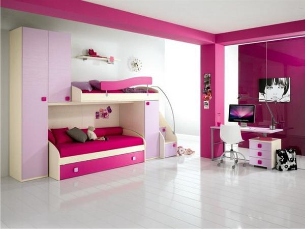 غرفة نوم بسريرين فوق بعض ومكتب صغير بتصميم روعة وقمة فى الجمال