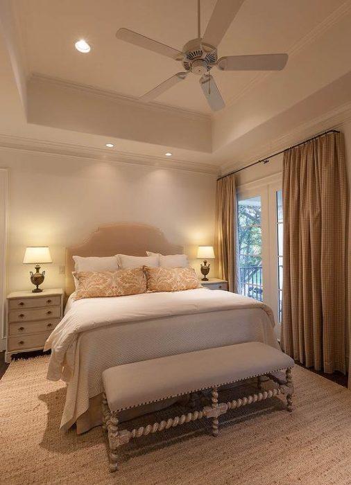 غرفة نوم فى من منتهى الجمال والروعة تناسب الذوق الراقي