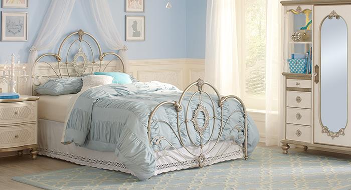 غرفة نوم للبنات كلاسيكية جميلة جداً وروعة