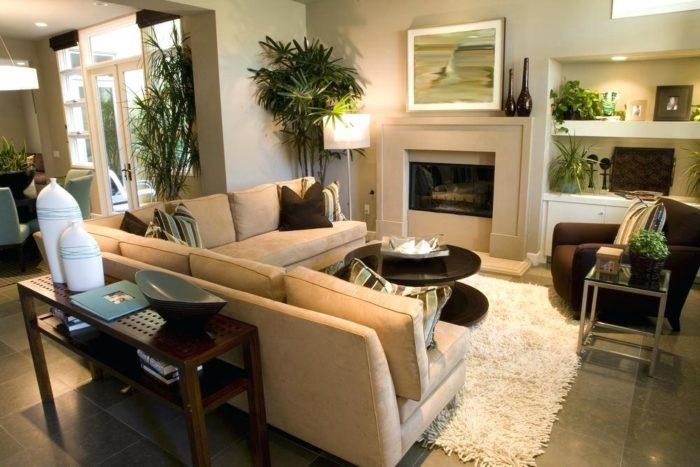 غرفة معيشة هادئة ورائعة جداً وتناسب مختلف الاذواق