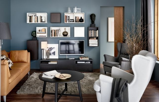 تحتوي هذه الغرفة على الارفف وهي فكرة عملية جداً لوضع الاشياء والمقتنيات وبتصميم عصري وشيك