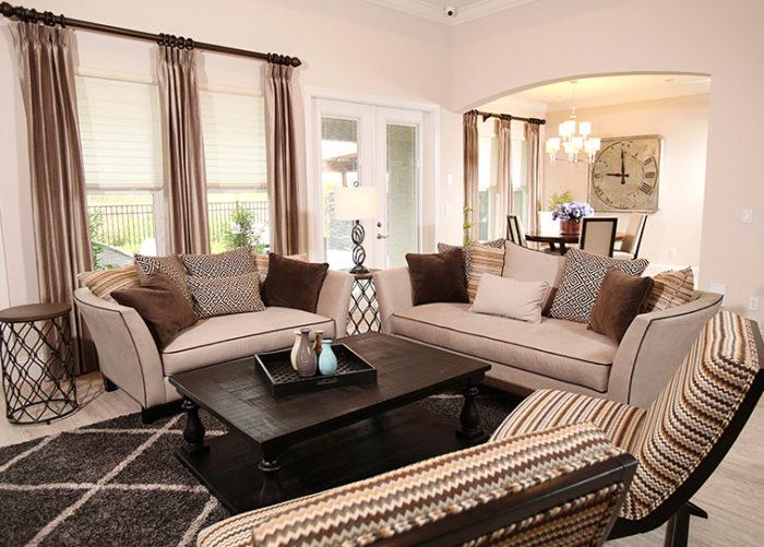 ستارة لغرفة الجلوس بتصميم قمة فى الشياكة والجمال والروعة