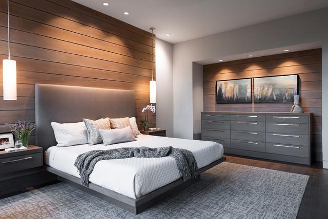 غرفة نوم بتصميم رائع مكونة من سرير و 2كمودينو وبوفيه بتصميم جميل جداً