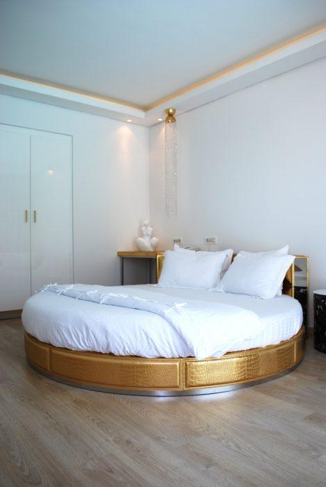 غرفة نوم حلوة جداً وجميلة