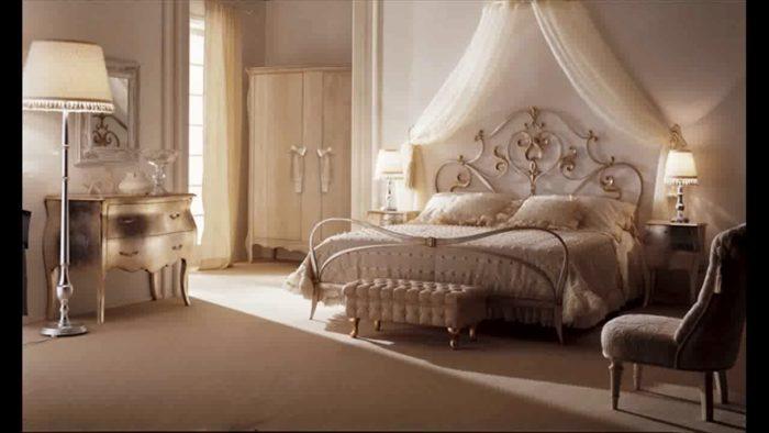 غرفة نوم حلوة جداً ورائعة مكونة من سرير حديد دهبى ودولاب و بوفيه بتصميم بسيط