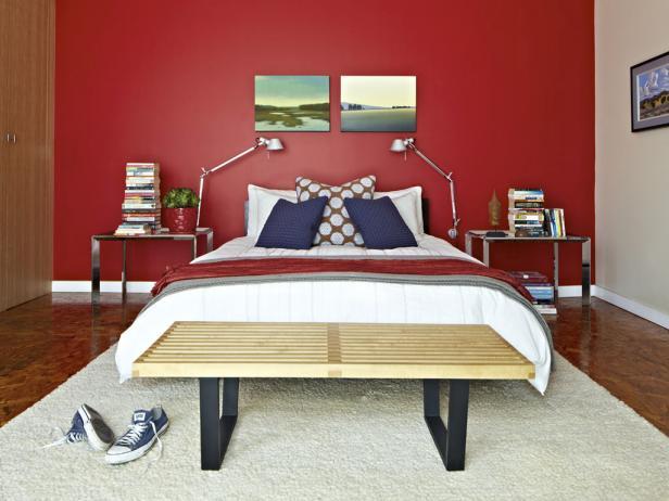 غرفة نوم حمراء بتصميم سيمبل