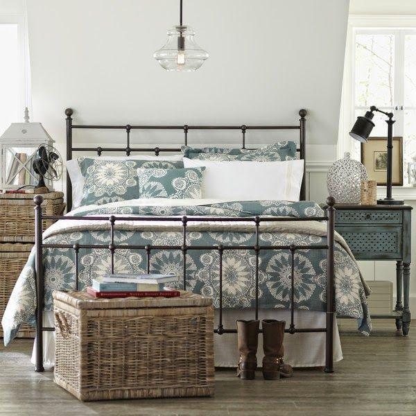 غرفة نوم رائعة وشيك جداً مصنوعة من الحديد
