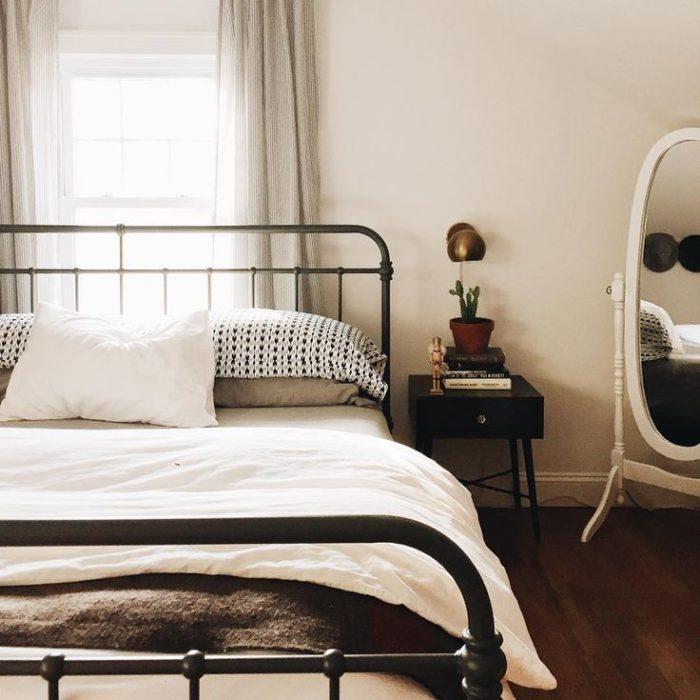Bedroom Black Metal Lilac Bedroom Curtains White Lace Bedroom Curtains Log Cabin Bedroom Decorating Ideas: غرف نوم حديد رائعة وجميلة جداً