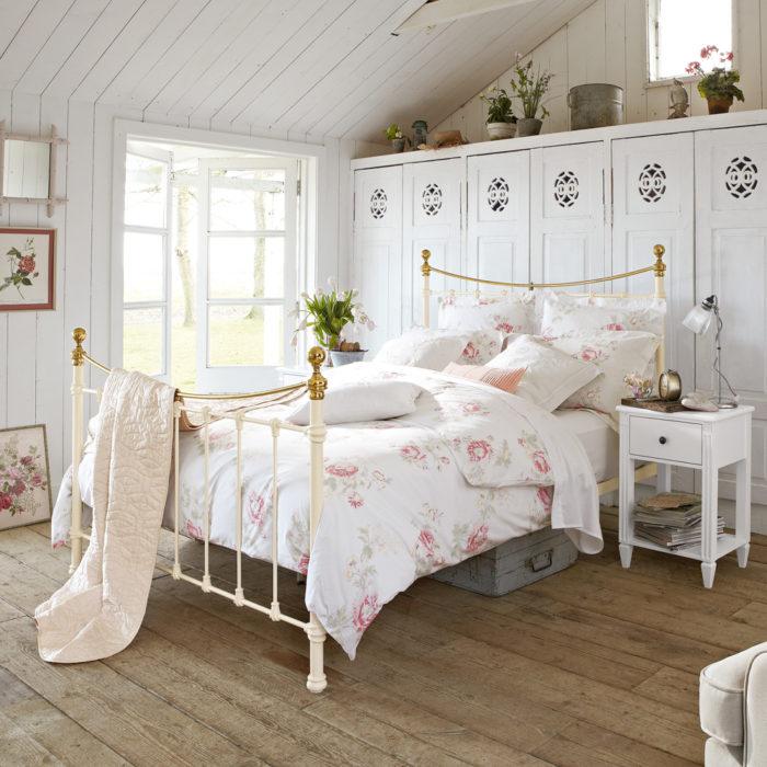 غرفة نوم فى منتهى الجمال والشياكة وتناسب الذوق الراقي