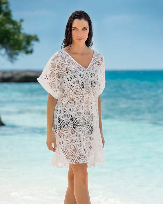 فستان باللون الابيض قصير بتصميم حلو جداً