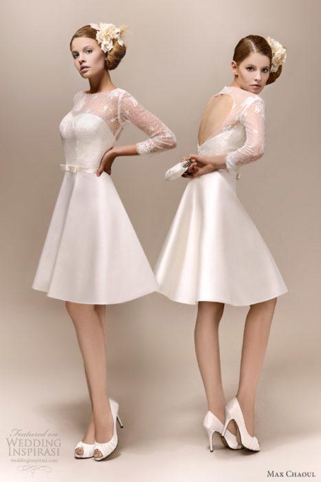 فستان ستان بالاوف وايت مفتوح على شكل قلب وحزام رفيع فيونكة في منتصف الخصر
