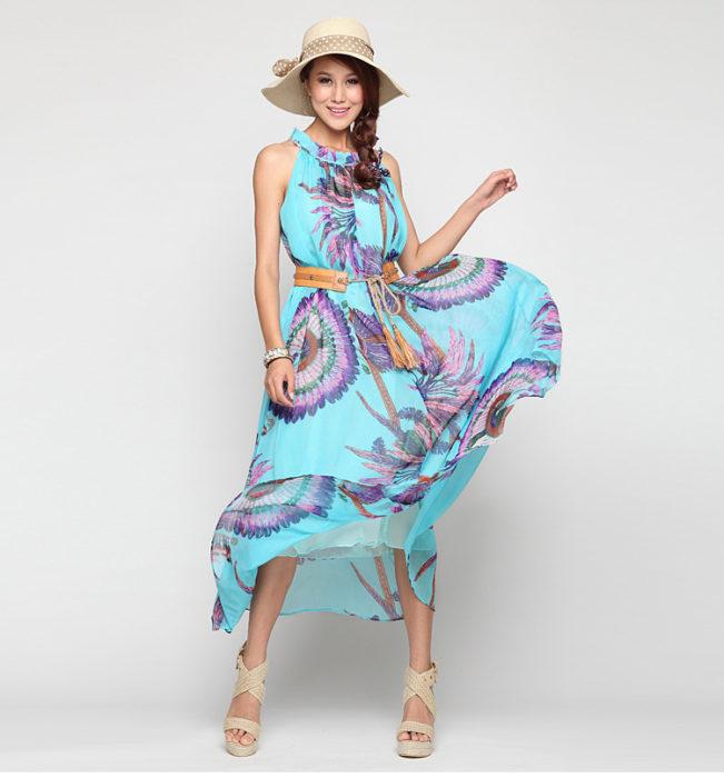 فستان شيفون باللون البني بدون أكمام مع صندل بكعب باللون البيج وقبعة بيج جميلة جداً