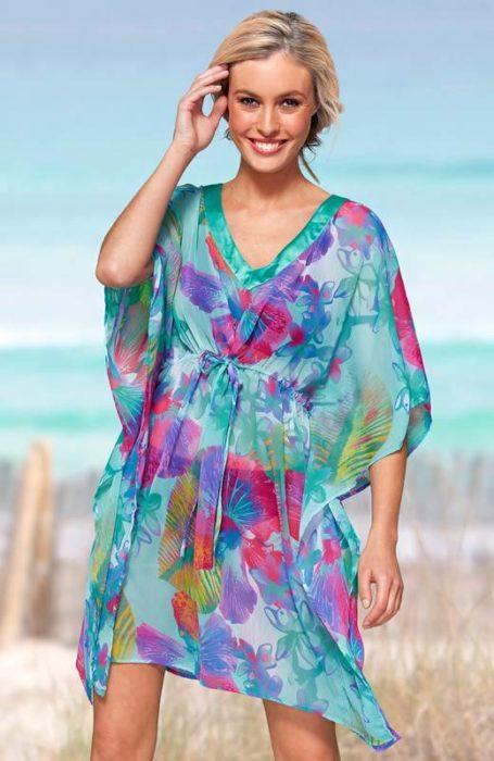 فستان شيفون قصير بالوان جرئية ومبهجة