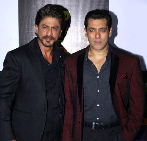 النجم شاه روخ خان مع النجم سلمان خان
