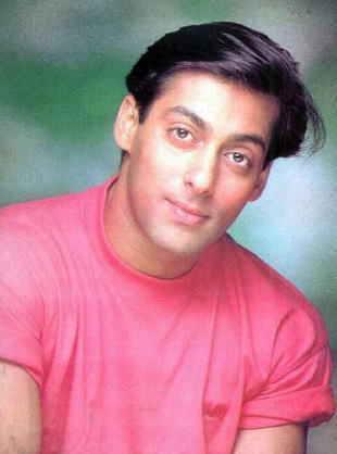 صورة للنجم سلمان خان وهو شاب