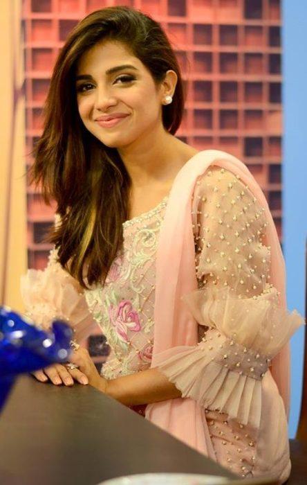 أطلالة جميلة جداً للنجمة سونيا حسين