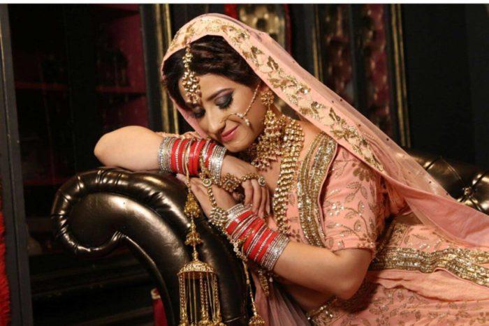اليشا بانوارAlisha Panwar صور ومعلومات وتقرير كامل
