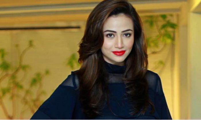 صورة للنجمة سناء جاويد بطلة المسلسل الباكستاني المشهور Khaani