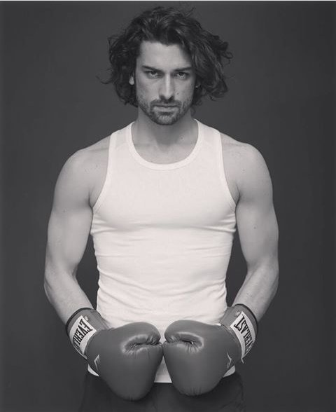 صورة للنجم الرياضي ألب نافروز