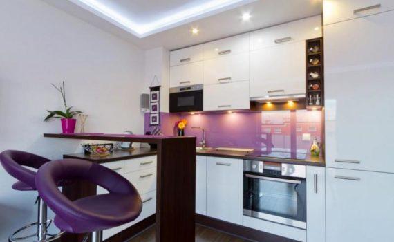 مطبخ ابيض بتصميم عصري مناسب لاصحاب الذوق العالي