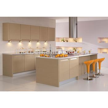 مطبخ باللون البيج بتصميم في منتهى الجمال والروعة