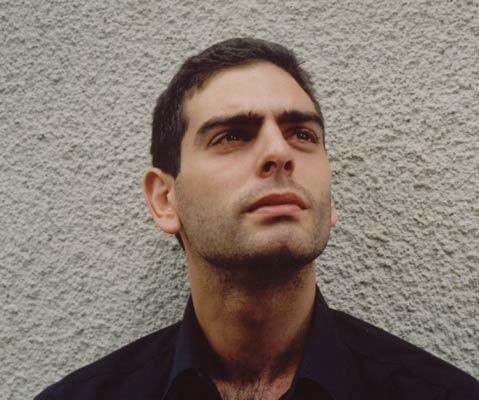الفنان التركي محمد علي نور أوغلو بدون لحية