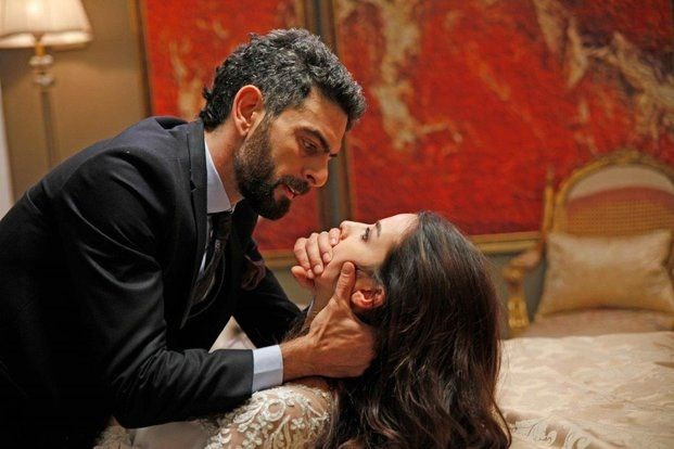 النجم محمد على نور أوغلو خلال قيامه بدور فيدات