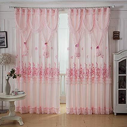 ستائر دانتيل جميلة جداً باللون الوردي