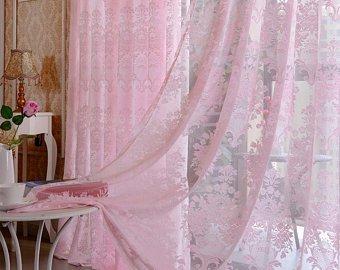 ستارة دانتيل باللون الوردي رقيقة جداً وشيك