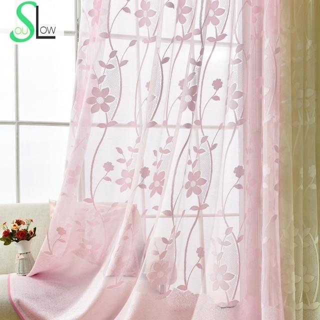 ستارة دانتيل باللون الوردي ناعمة وهادئة