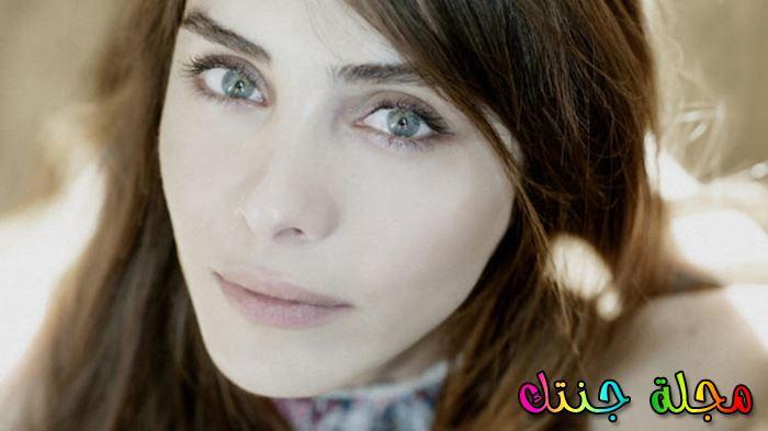 الممثلة التركية نور فتاح اوغلو