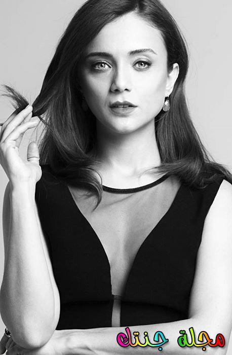 الممثلة التركية داملا سونماز