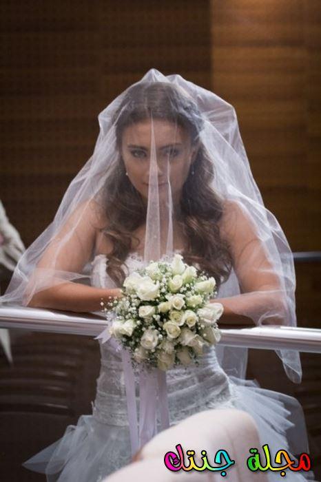 داملا سونماز بفستان الزفاف