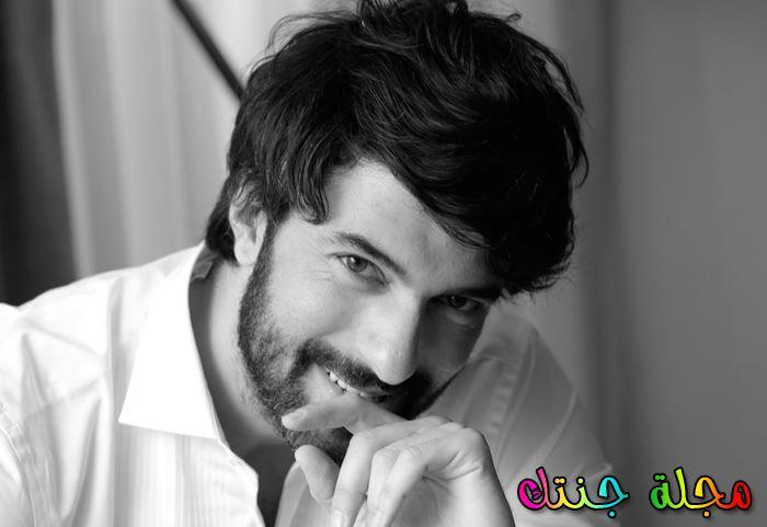 أحدث أطلالة للممثل التركي انجين اكيوريك
