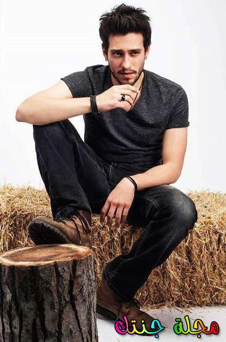 الممثل التركي أكين كوش