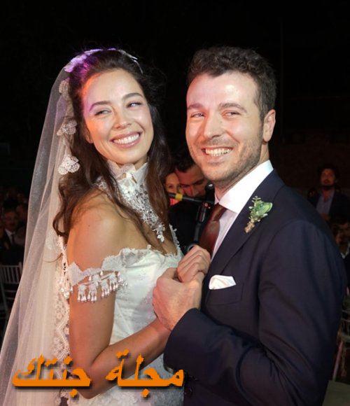 عذراء أكين وزوجها اتاكان كورو من حفلة زفافها