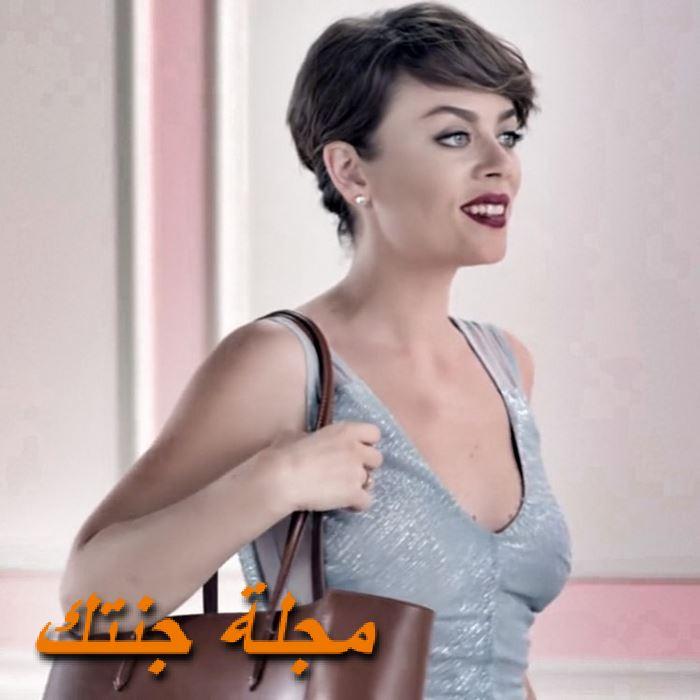الممثلةDemet Evgar